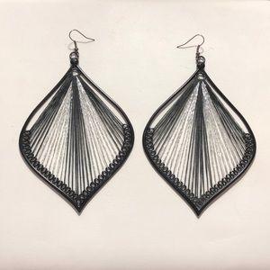 Jewelry - Gorgeous black scroll earrings